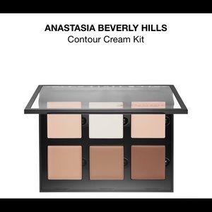 Anastasia Beverly Hills cream contour cream kit